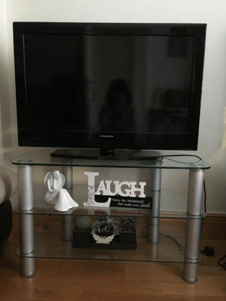 32 inch NordMende TV + Stand