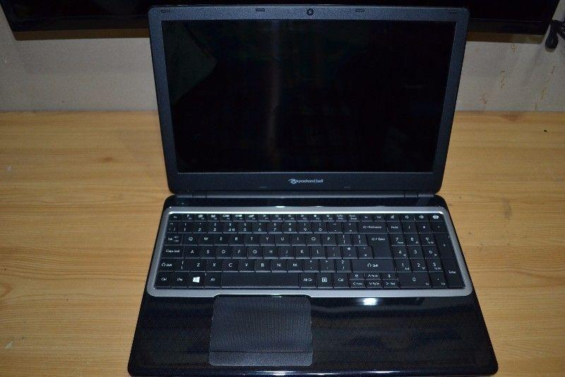 Packard Bell Laptop with HDMI