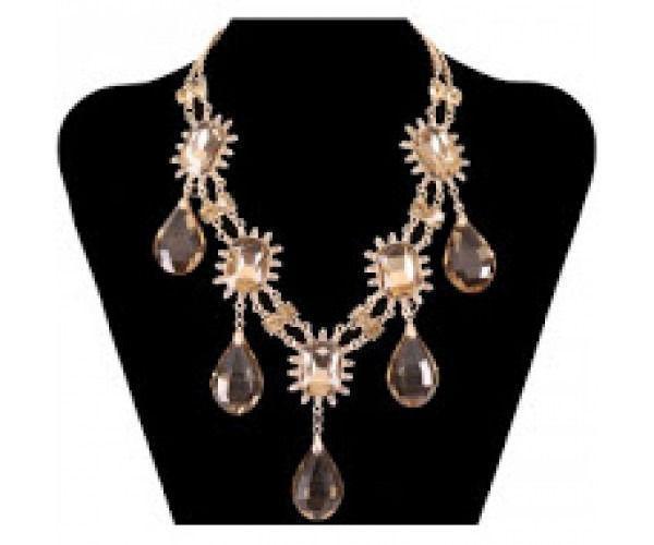 Exclusive Pieces of Gracia Crystal Fashion Necklace
