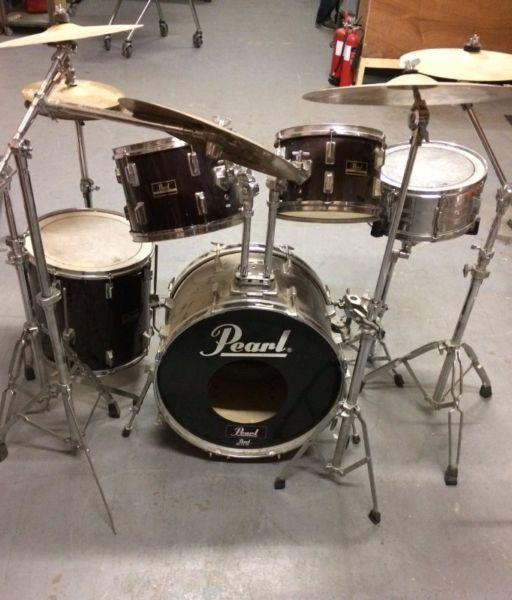 5 Piece Pearl Drum Kit