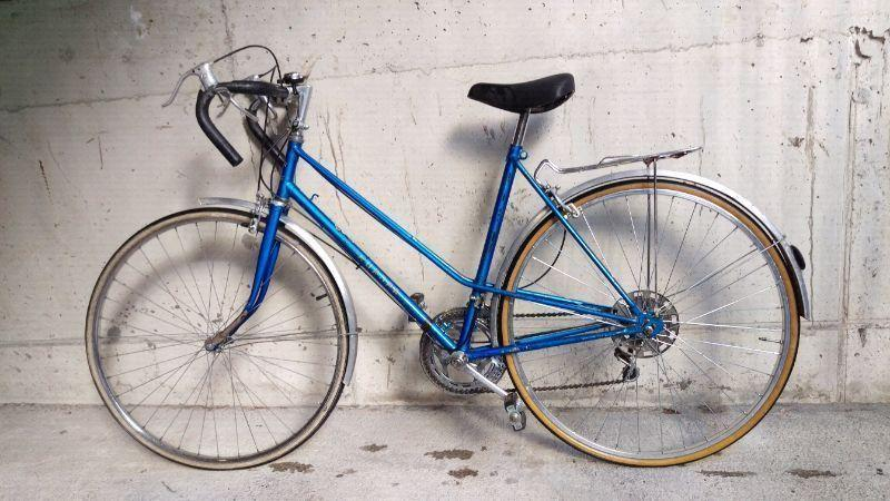Ladies RACER VINTAGE BICYCLE EUROPA FOR SELL!!! IN EXCELLENT CONDITION