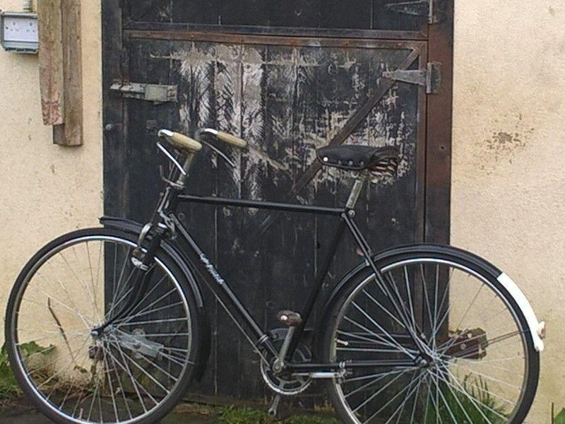 Vintage High Nelly bicycle