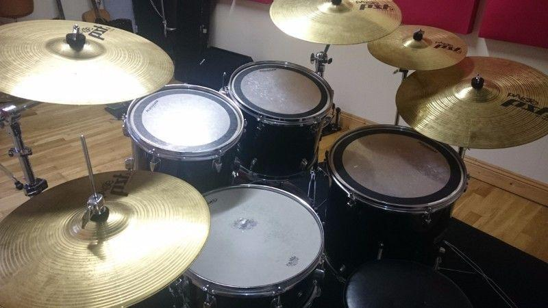 Mapex VX Series 5 Piece Drum Kit - Complete Set Up with Sabian & Paiste Cymbals and Hardware