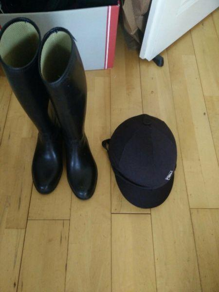 Horse riding boots / hats