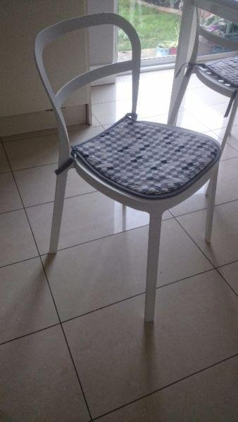White metal stylish chairs with or without the table