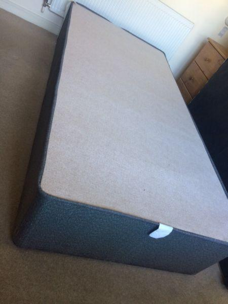 Single bed immaculate state