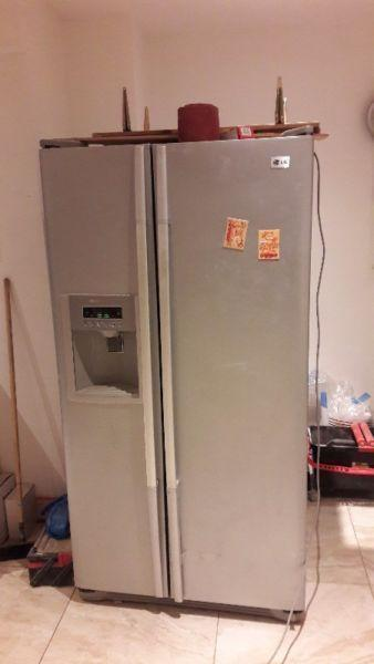 American side by side fridge freezer for sale