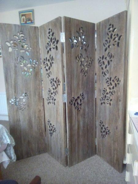 Solid Oak Clothes Screen. Perfect Condition