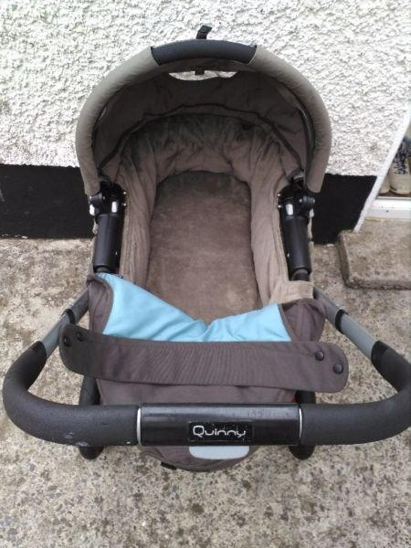3 in 1 Quinny Buzz Travel System in Brown with Maxi Cosi car seat.Mint.Like New