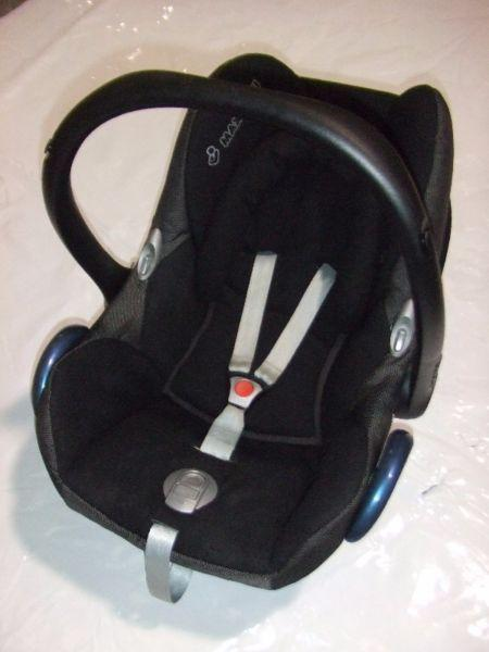 Maxi-Cosi IsoFix infant carrier/car seat