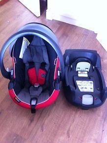 BeSafe infant car seat and BeSafe IZI Go Isofix Base