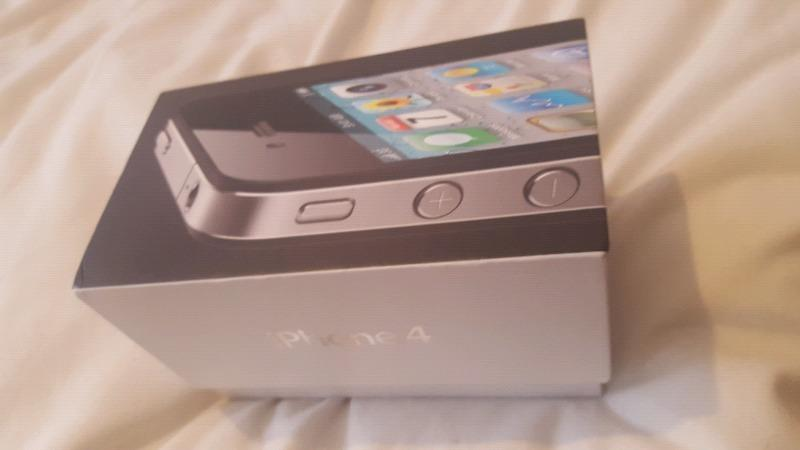 Iphone 4S ( 8GB ) - SIM FREE