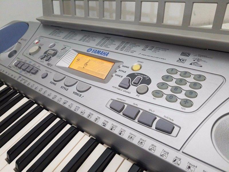 Yamaha Electronic 61-Touch Keyboard PSR-275