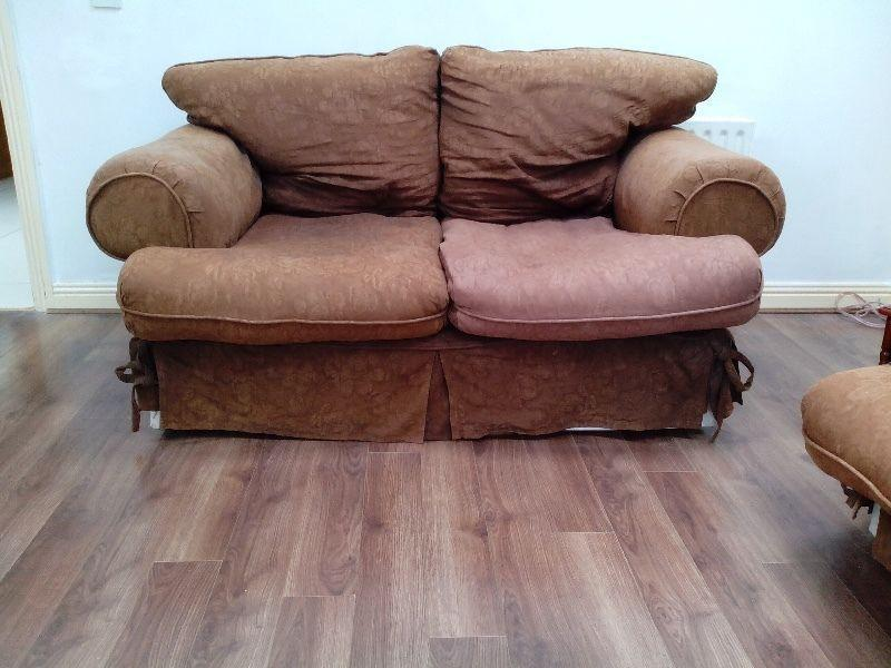 Suite couch sofa for free