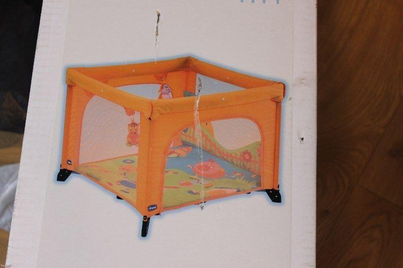 Square playpen, excellent state, Chicco