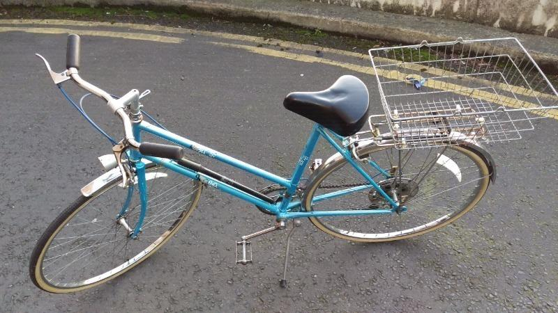 Raleigh Estell vintage style ladies BICYCLE excellent condition !!!
