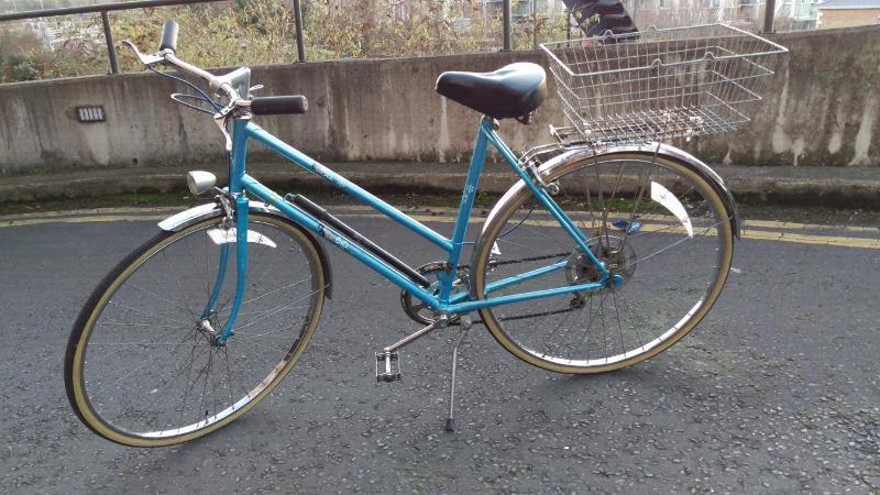 Bicycle RALEIGH Estell vintage style ladies bike in excellentCondition