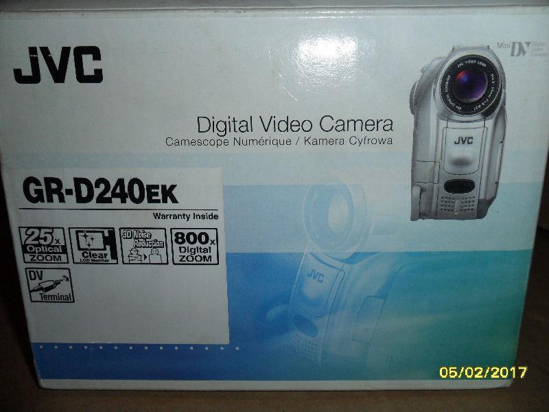 JVC GR-D240ek mini-dv camcorder