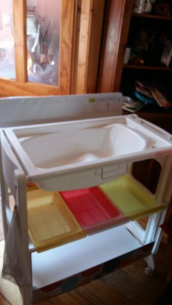 Cossato Baby Changing & Bath unit