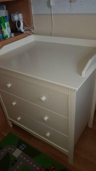Baby Elegance dresser and cot bed