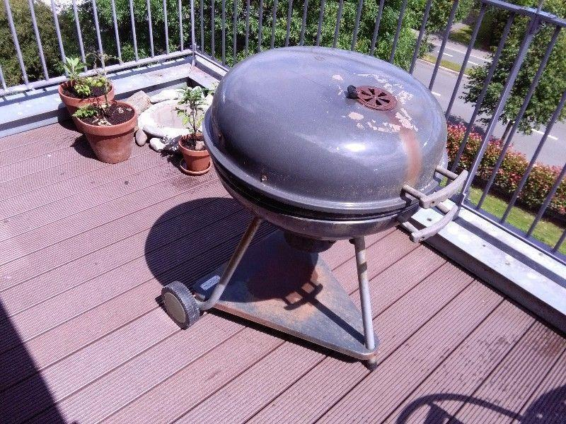 Huge 26 inch Barbeque (66cm) also can be us as smoker- Good condition