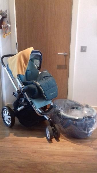 Quinny Buzz in top condition / turquoise colour / only used for one baby