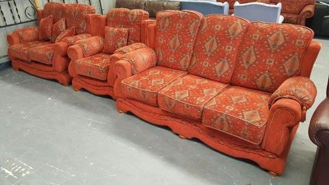 3 + 2 + 1 Sofa Suite - can deliver
