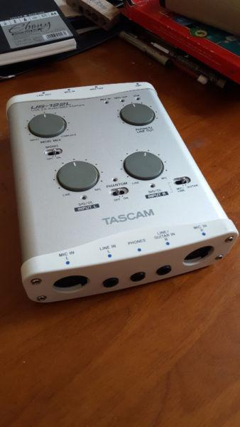 TASCAM US-122L Audio/MIDI Interface for sale - excellent condition