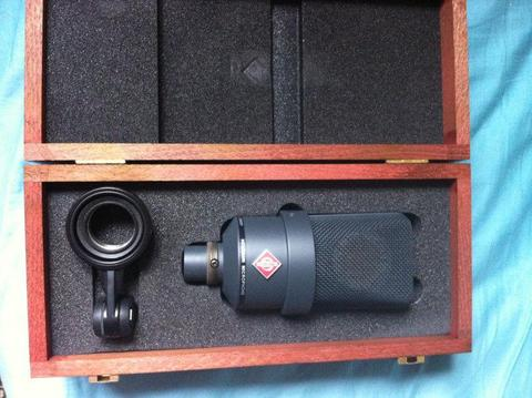Neumann TLM 103 (black) pro studio mic with case