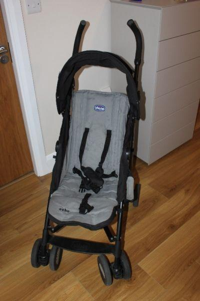 Stroller Echo Chicco. Black and grey. With instructions for use. Small defect in the handle. 70€