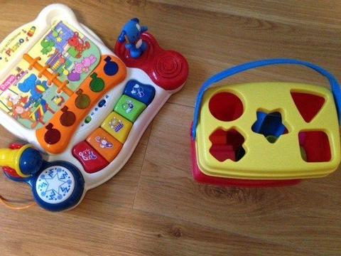 Game Sing and discover Piano V-tech, from 4 months old, with batteries