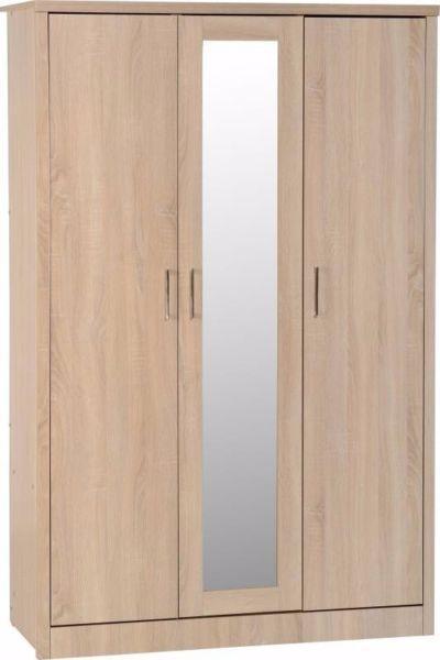 3 Door Oak Veneer Wardrobe