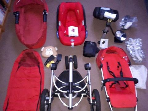 Quinny pram and stroller with iso-fix base