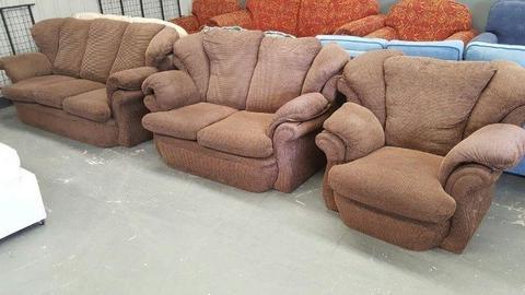 3 + 2 + 1 Sofa Suite