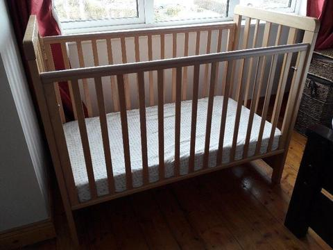 Cosatto Beside Me Cot, Cosatto Cotbed & Mothercare bumper bundle!! €100 the lot!