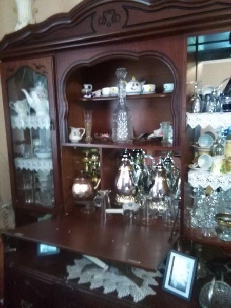 Chestnut brown kitchen dresser